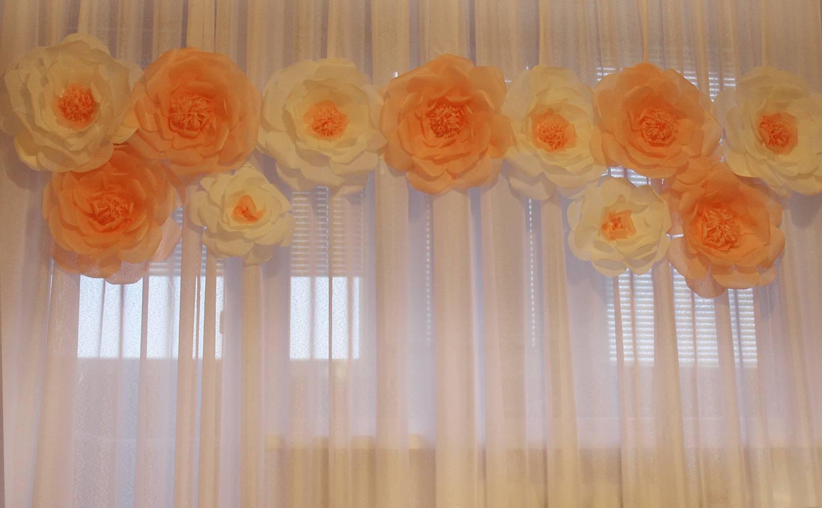 Большие цветы своими руками для украшения зала 785
